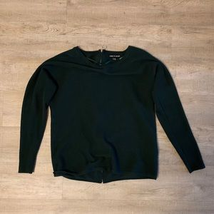 Long sleeve sweater with zipper in back